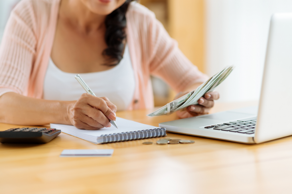 Sinking Fund vs. Emergency Fund: What's the Difference?